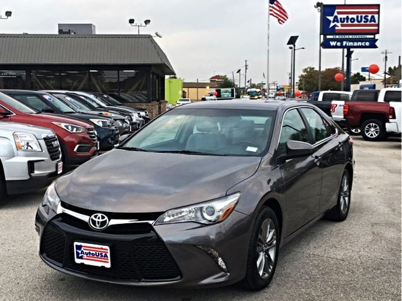 2016 Toyota Camry SE Charcoal   Irving, Texas   Auto USA in Irving Texas