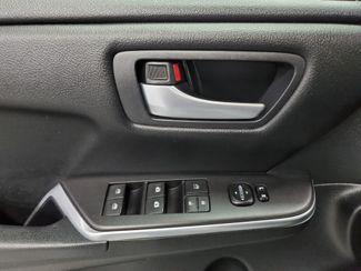 2016 Toyota Camry SE Kensington, Maryland 18