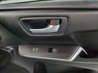 2016 Toyota Camry SE Kensington, Maryland 35