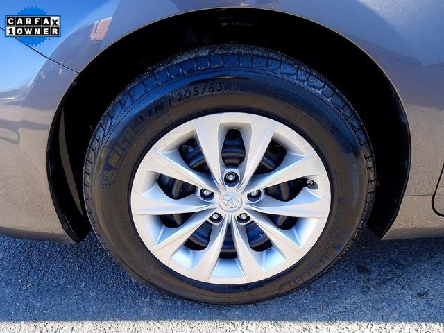 2016 Toyota Camry Hybrid LE Madison, NC 10