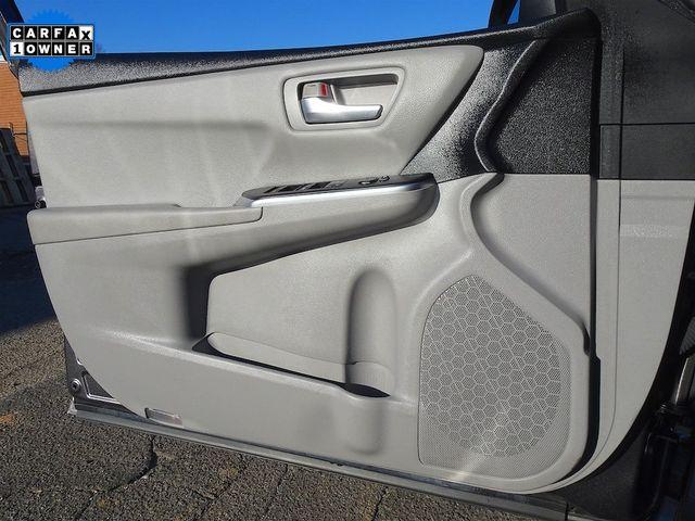 2016 Toyota Camry Hybrid LE Madison, NC 27