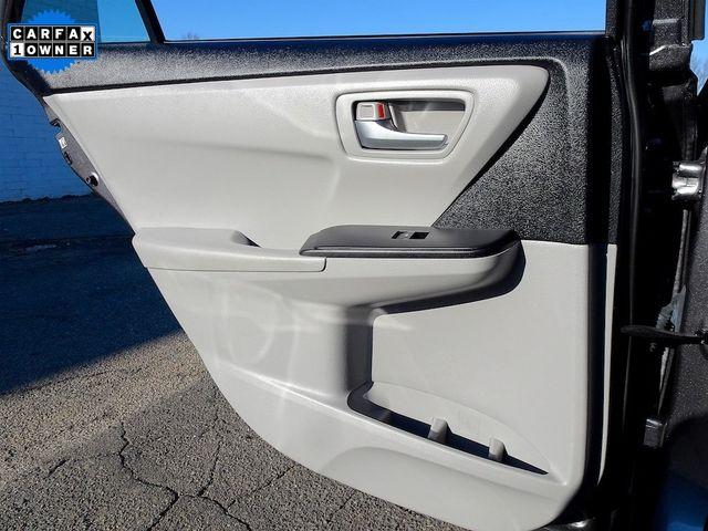 2016 Toyota Camry Hybrid LE Madison, NC 31