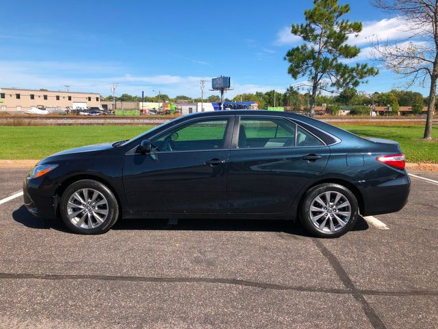 2016 Toyota Camry XLE Maple Grove, Minnesota 2