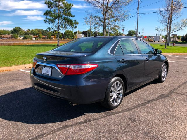 2016 Toyota Camry XLE Maple Grove, Minnesota 5