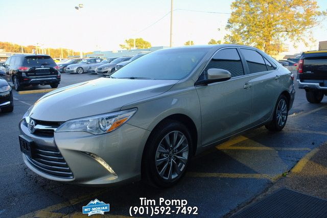 2016 Toyota Camry XLE sunroof back up camera in Memphis, Tennessee 38115