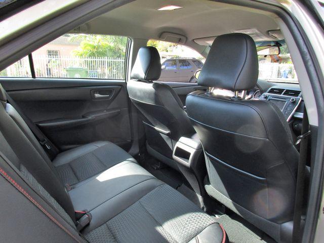 2016 Toyota Camry XLE Miami, Florida 11
