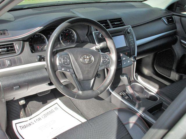 2016 Toyota Camry XLE Miami, Florida 7