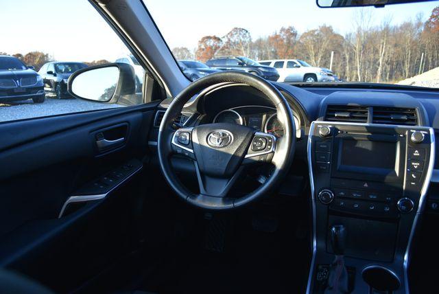2016 Toyota Camry SE Naugatuck, Connecticut 15