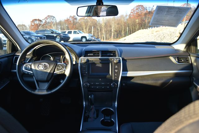 2016 Toyota Camry SE Naugatuck, Connecticut 16