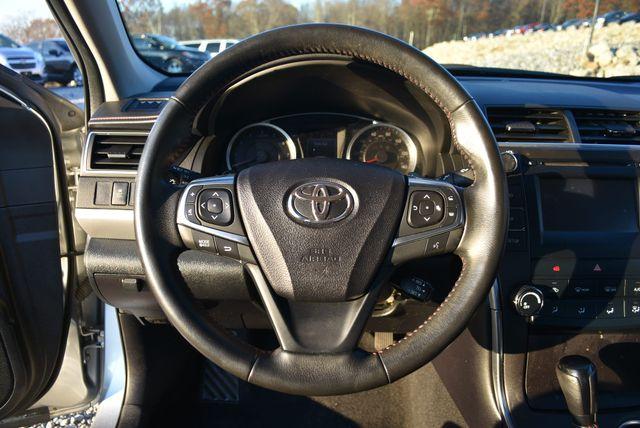 2016 Toyota Camry SE Naugatuck, Connecticut 20