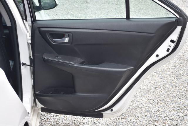 2016 Toyota Camry SE Naugatuck, Connecticut 10