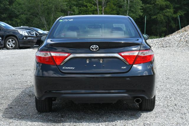 2016 Toyota Camry SE Naugatuck, Connecticut 3