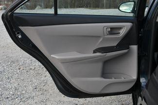 2016 Toyota Camry SE Naugatuck, Connecticut 12