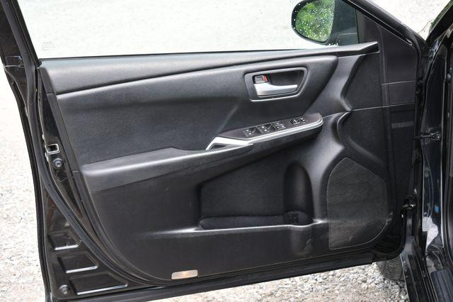 2016 Toyota Camry SE Naugatuck, Connecticut 18
