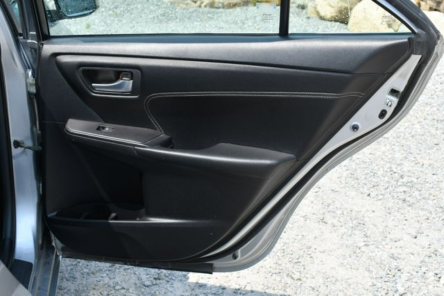 2016 Toyota Camry XLE Naugatuck, Connecticut 5