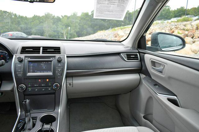 2016 Toyota Camry LE Naugatuck, Connecticut 18