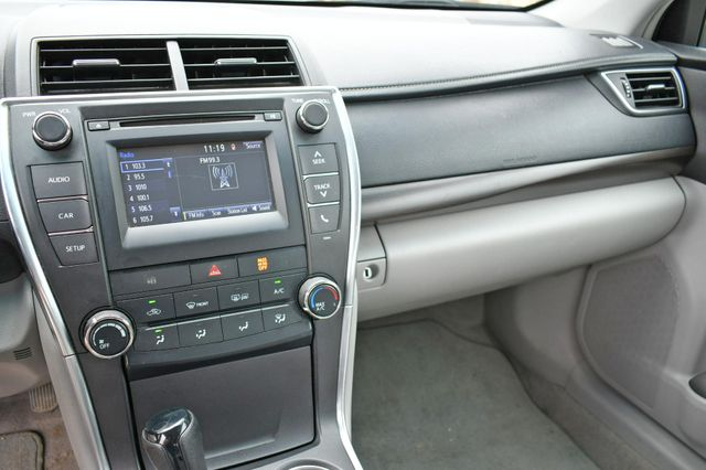 2016 Toyota Camry LE Naugatuck, Connecticut 20
