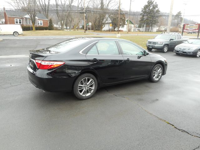 2016 Toyota Camry SE w/Special Edition Pkg New Windsor, New York 6