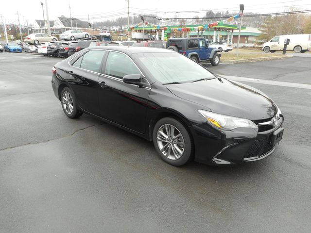 2016 Toyota Camry SE w/Special Edition Pkg New Windsor, New York 8