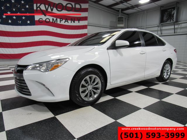 2016 Toyota Camry LE Sedan White New Tires 35mpg Low Miles Financing in Searcy, AR 72143