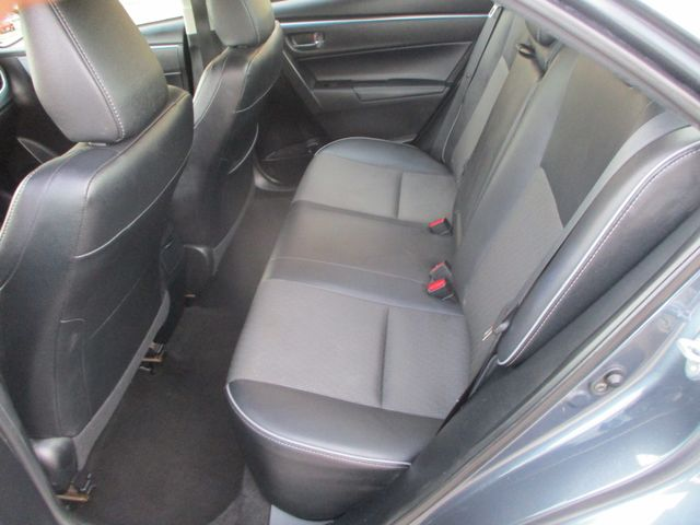 2016 Toyota Corolla LE Farmington, MN 3
