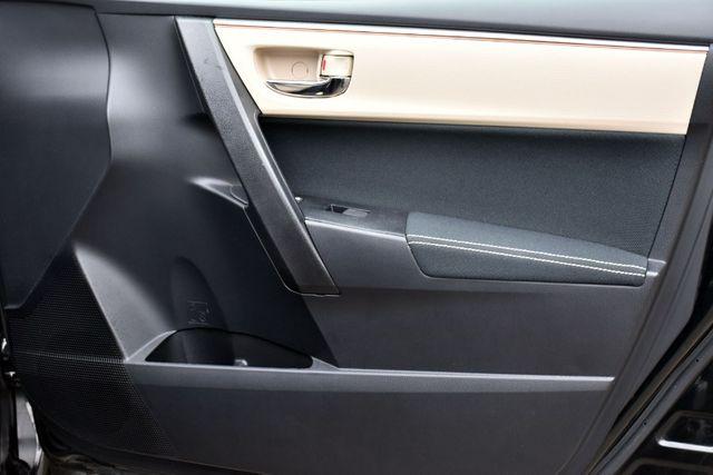 2016 Toyota Corolla 4dr Sdn CVT LE Waterbury, Connecticut 18
