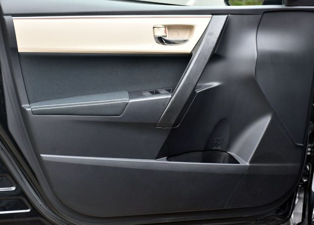 2016 Toyota Corolla 4dr Sdn CVT LE Waterbury, Connecticut 21