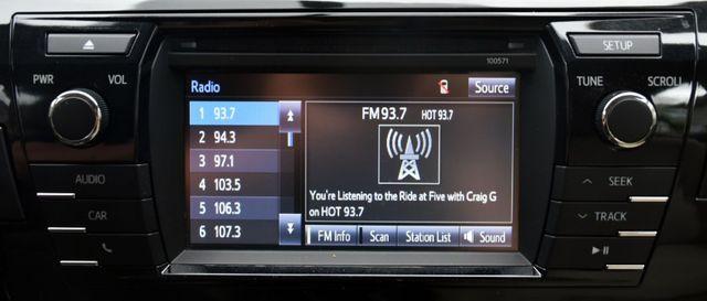 2016 Toyota Corolla 4dr Sdn CVT LE Waterbury, Connecticut 24
