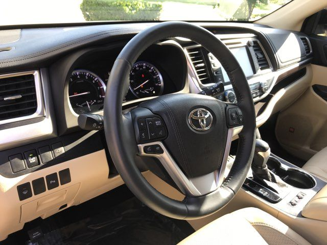 2016 Toyota Highlander Limited ONE OWNER in Carrollton, TX 75006