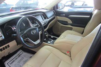 2016 Toyota Highlander XLE W/ NAVIGATION SYSTEM/ BACK UP CAM Chicago, Illinois 16