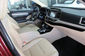 2016 Toyota Highlander XLE W/ NAVIGATION SYSTEM/ BACK UP CAM Chicago, Illinois 21