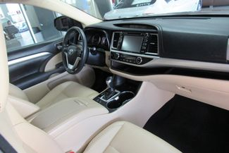 2016 Toyota Highlander XLE W/ NAVIGATION SYSTEM/ BACK UP CAM Chicago, Illinois 22