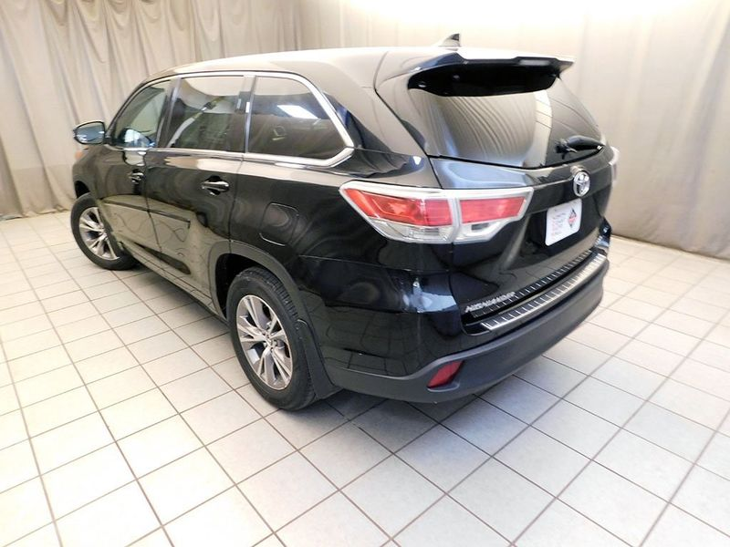 2016 Toyota Highlander LE Plus V6  city Ohio  North Coast Auto Mall of Cleveland  in Cleveland, Ohio