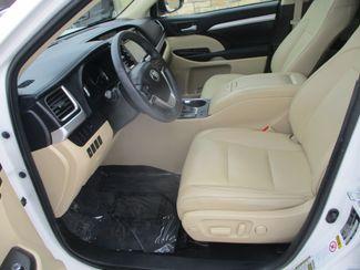2016 Toyota Highlander XLE Farmington, MN 2
