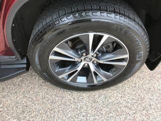 2016 Toyota Highlander XLE Farmington, MN 14