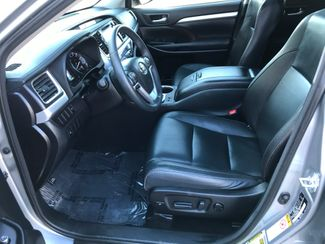 2016 Toyota Highlander XLE Farmington, MN 4