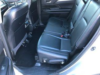 2016 Toyota Highlander XLE Farmington, MN 5