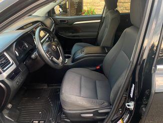 2016 Toyota Highlander LE Farmington, MN 5