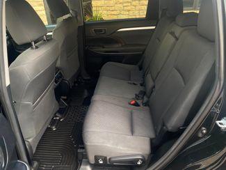 2016 Toyota Highlander LE Farmington, MN 6