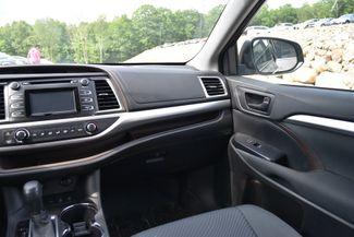 2016 Toyota Highlander LE Naugatuck, Connecticut 13