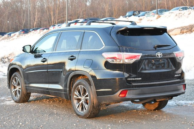 2016 Toyota Highlander XLE Naugatuck, Connecticut 4