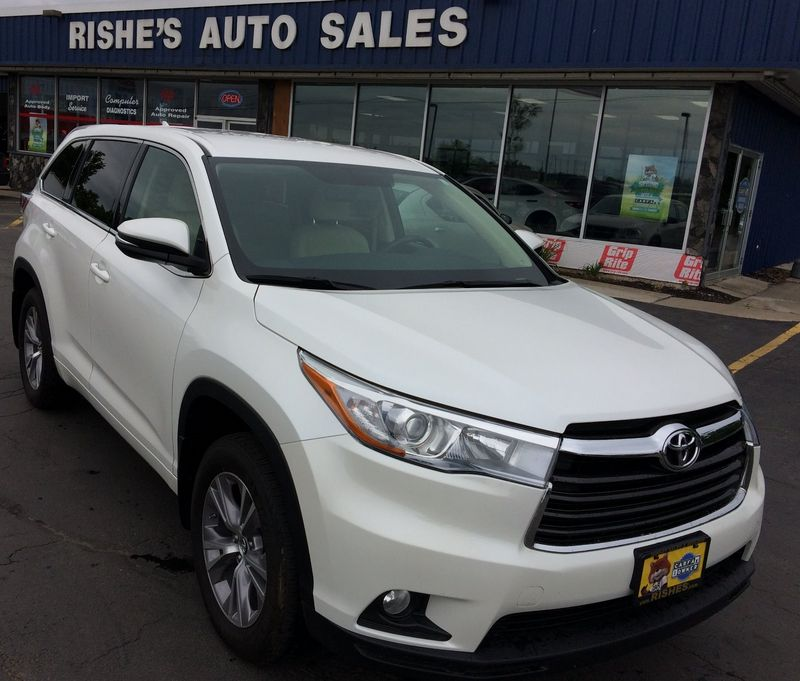 2016 Toyota Highlander LE Plus | Rishe's Import Center in Ogdensburg New York