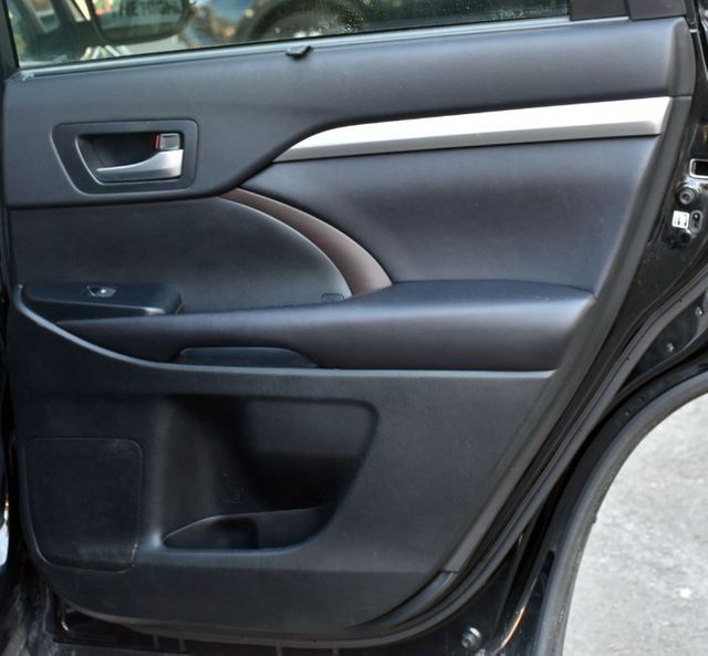 2016 Toyota Highlander XLE Waterbury, Connecticut 32