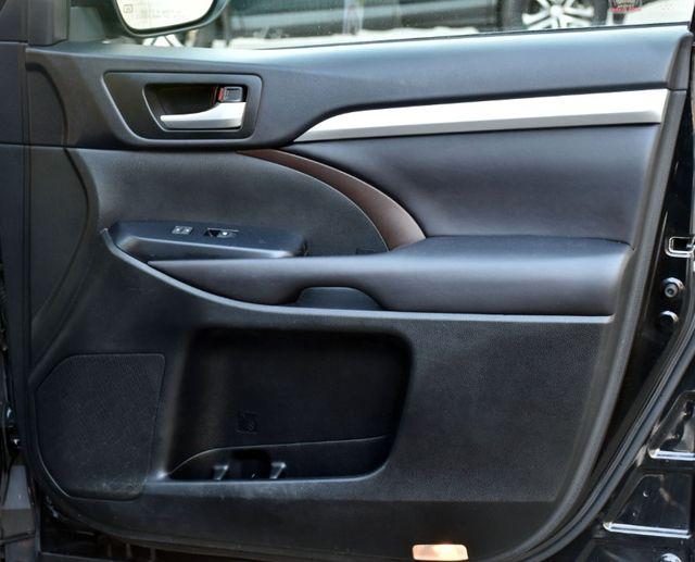 2016 Toyota Highlander XLE Waterbury, Connecticut 31