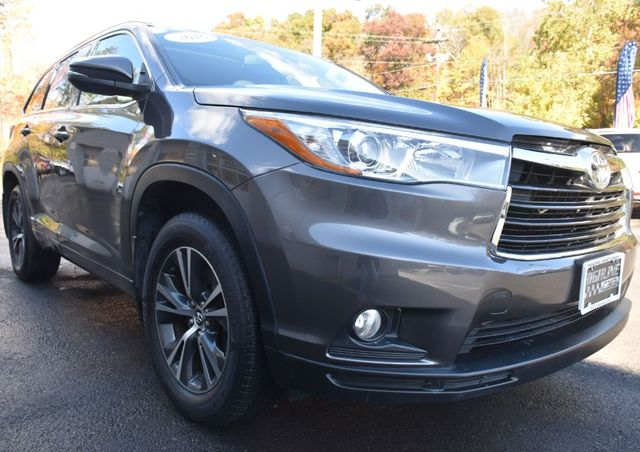 2016 Toyota Highlander XLE Waterbury, Connecticut 8