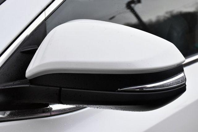 2016 Toyota Highlander XLE Waterbury, Connecticut 11