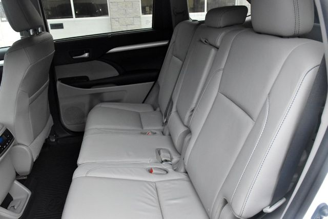 2016 Toyota Highlander XLE Waterbury, Connecticut 19