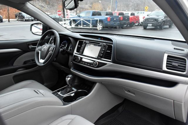 2016 Toyota Highlander XLE Waterbury, Connecticut 23