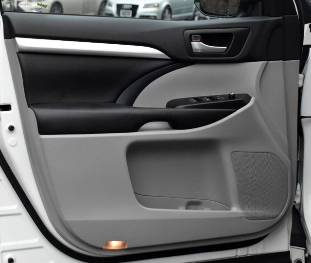 2016 Toyota Highlander XLE Waterbury, Connecticut 28