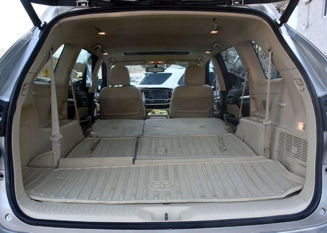 2016 Toyota Highlander XLE Waterbury, Connecticut 35